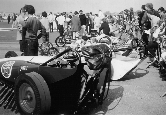 chrysler-dragster-bW4